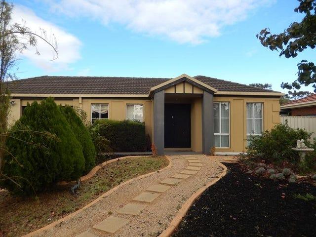 18 Elphinstone Way, Caroline Springs, Vic 3023