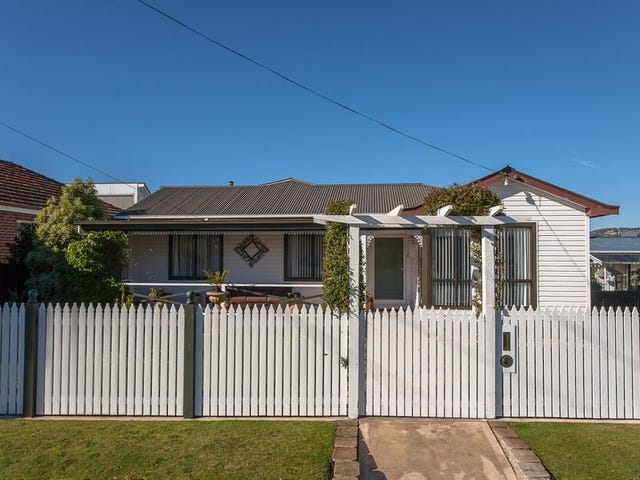 11 Huntley Street, Montrose, Tas 7010
