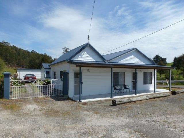10 Scott Street, Branxholm, Tas 7261