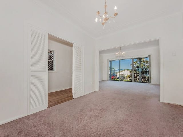 330 Northcliffe Drive, Lake Heights, NSW 2502