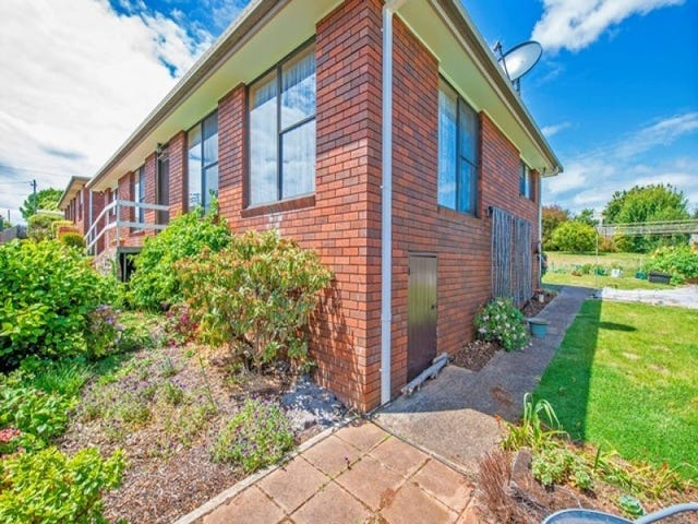 2/204 Mount Street, Upper Burnie, Tas 7320