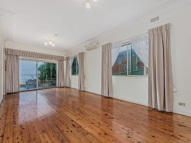 38 Grandview Parade, Lake Heights, NSW 2502