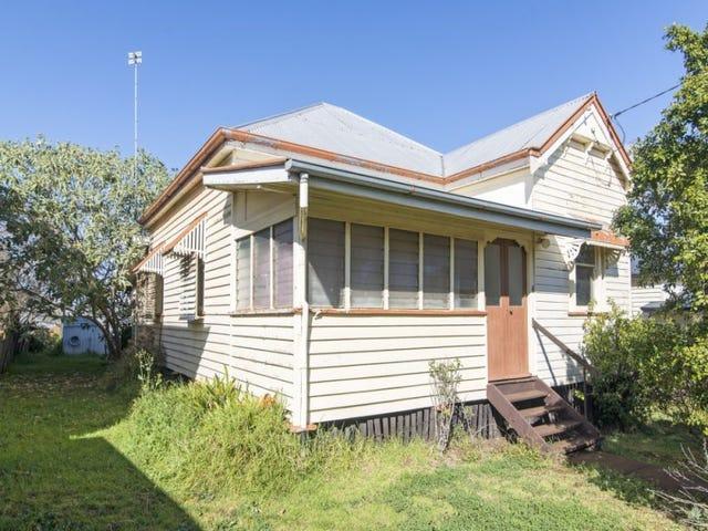 4 Kelfield Street, North Toowoomba, Qld 4350