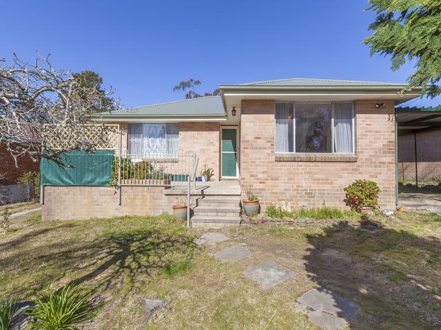 30 Armstrong Street, Wentworth Falls, NSW 2782