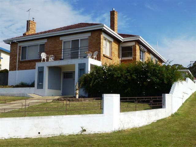 19 Napier Street, Beauty Point, Tas 7270