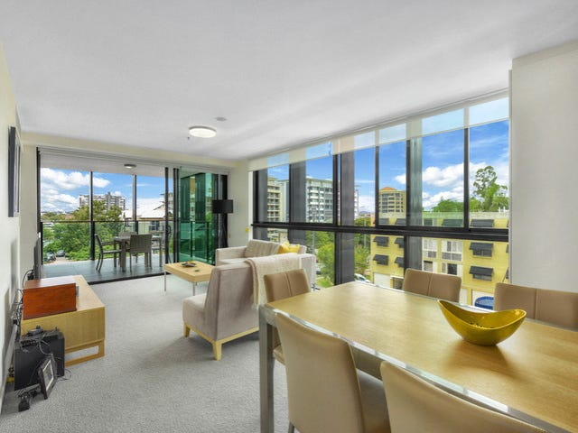 210/18 Thorn Street, Kangaroo Point, Qld 4169
