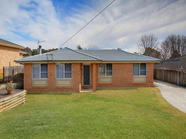 15 Paul Crescent, Moss Vale, NSW 2577
