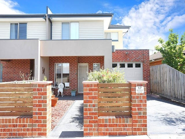 1/7 Hermione Avenue, Oak Park, Vic 3046