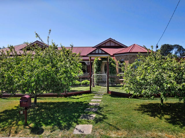 12 Manifold Road, Woodend, Vic 3442