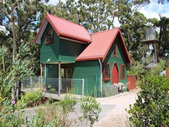 8a Elfrida Avenue, Sisters Beach, Tas 7321