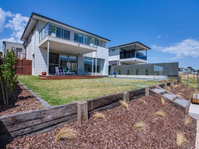 24 Sovereign Point, Safety Beach, Vic 3936
