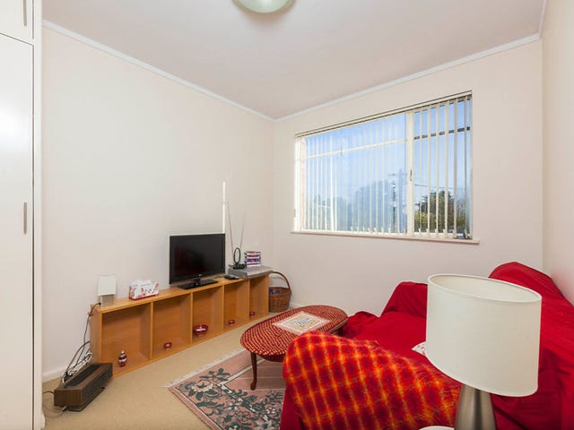 4/4 Nuyts Street, Red Hill, ACT 2603