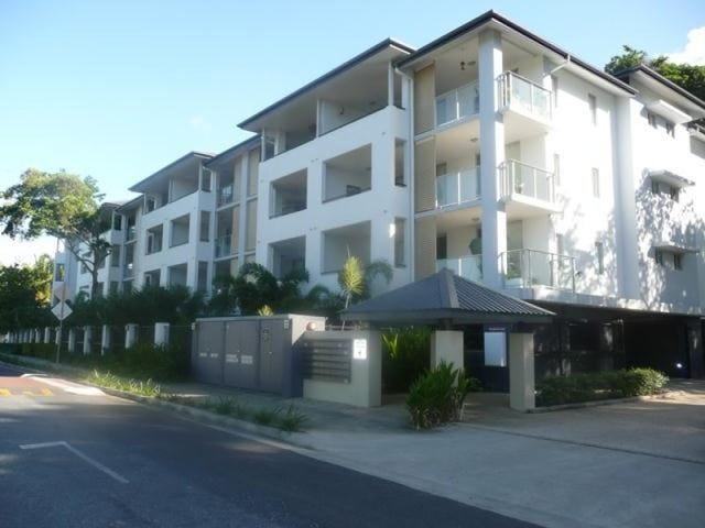 34/9-15 Mclean Street, Cairns North, Qld 4870