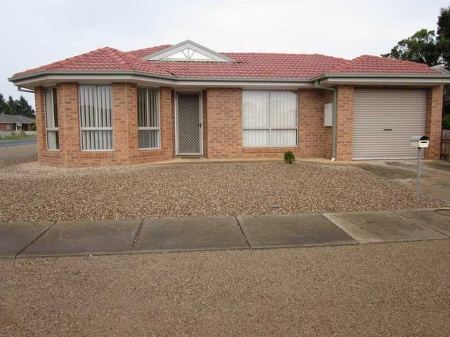 5 Walton Street, Melton South, Vic 3338