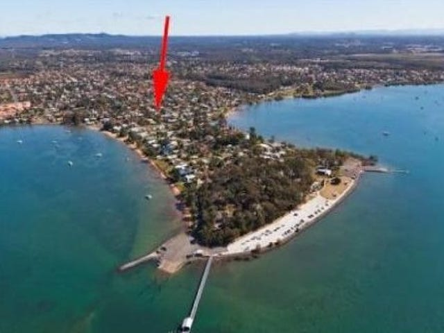 9 Moore Street, Victoria Point, Qld 4165