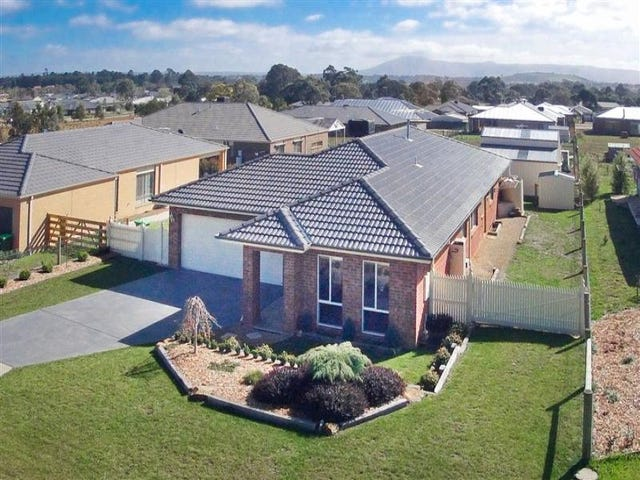 3 Thomas Place, Gisborne, Vic 3437