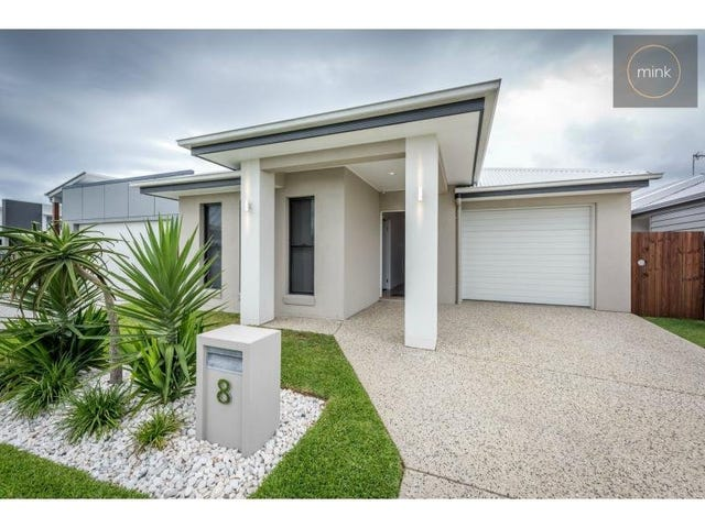 8 STRADBROKE STREET, Mountain Creek, Qld 4557