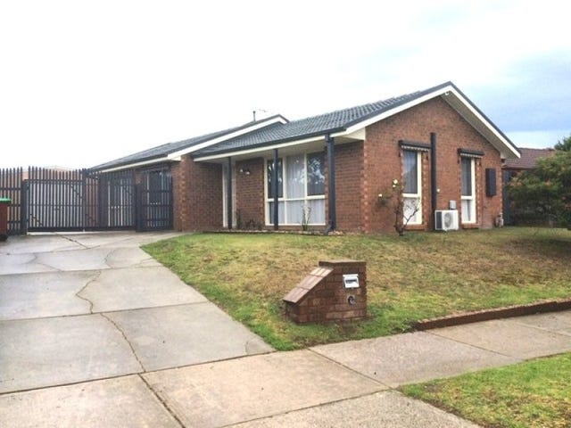 8 Wills Court, Cranbourne North, Vic 3977