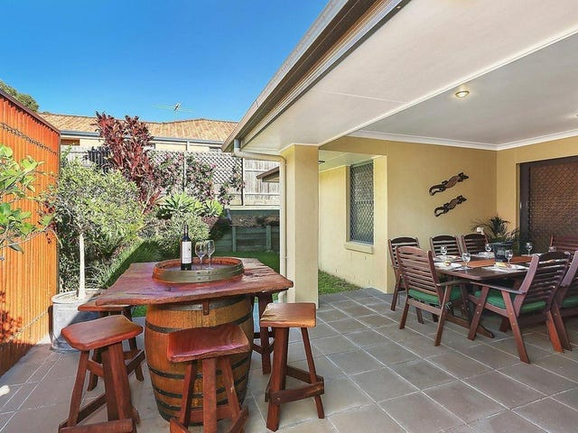 1 Daphne Place, Wakerley, Qld 4154