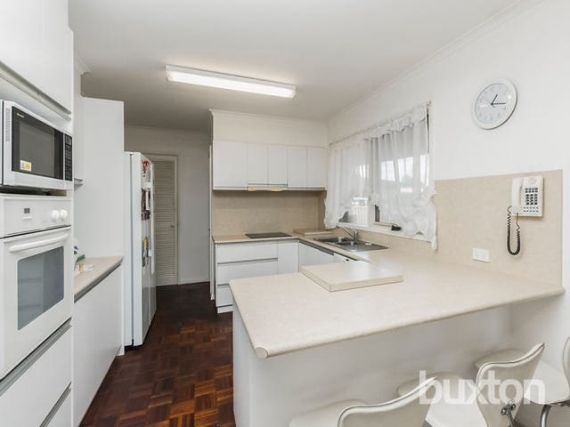 31 Graylea Avenue, Herne Hill, Vic 3218
