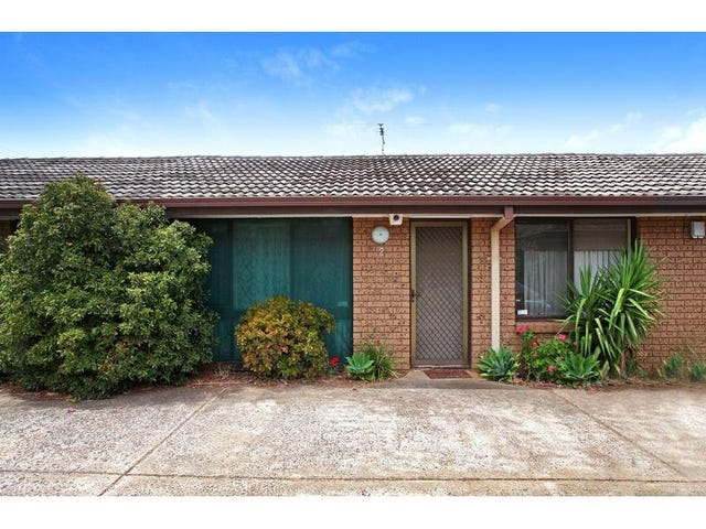 2/137 Centenary Avenue, Melton, Vic 3337