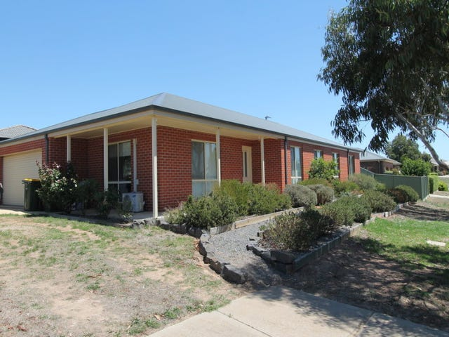 2 Lowry Crescent, Miners Rest, Vic 3352