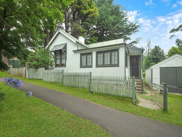 108 Barton Street, Katoomba, NSW 2780