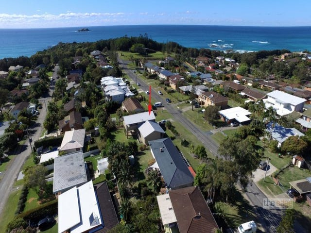 11 Headland Road, Sapphire Beach, NSW 2450