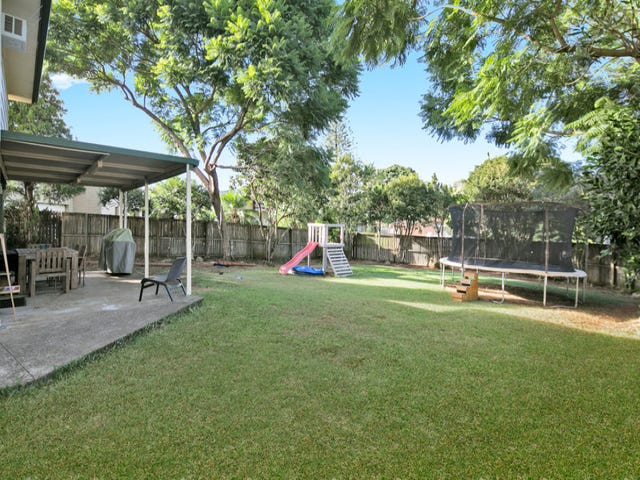 4 St Andrews Avenue, Birkdale, Qld 4159