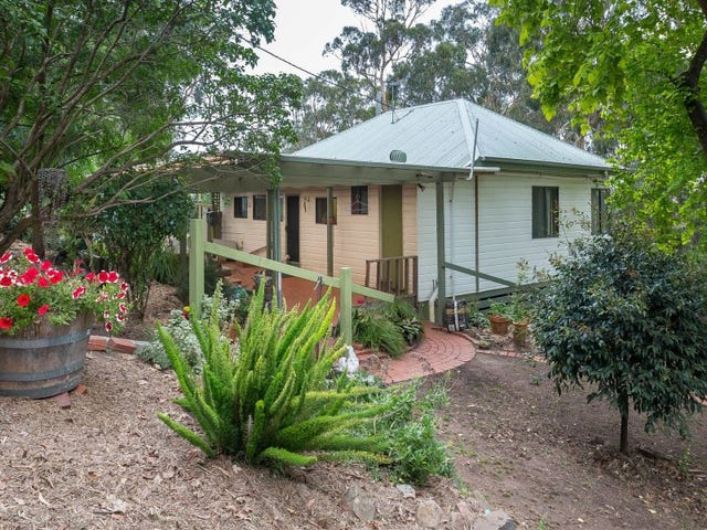 2 Johns Road, Selby, Vic 3159
