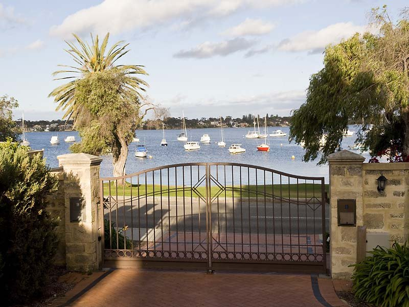 35 The Esplanade, Peppermint Grove, WA 6011