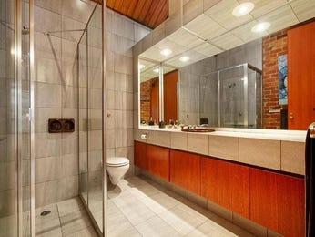 Ceramic in a bathroom design from an Australian home - Bathroom Photo 2109997