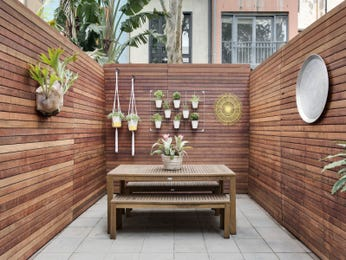 Outdoor living design with outdoor dining from a real Australian home - Outdoor Living photo 7157949