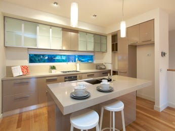 Frosted glass in a kitchen design from an Australian home - Kitchen Photo 8189441