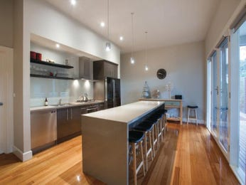 Modern open plan kitchen design using floorboards - Kitchen Photo 8503153
