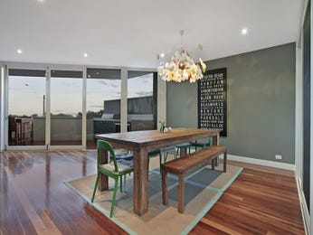 Classic dining room idea with floorboards & floor-to-ceiling windows - Dining Room Photo 16219193