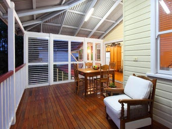 Outdoor living design with deck from a real Australian home - Outdoor Living photo 138489