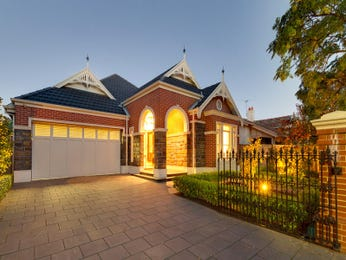 Photo of a sandstone house exterior from real Australian home - House Facade photo 139072