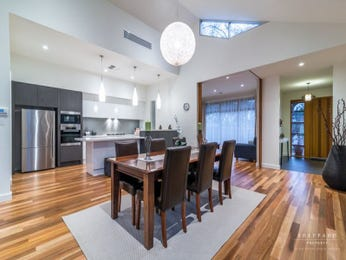 Ceiling skylight in a kitchen design from an Australian home - Kitchen Photo 8572465