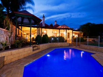 Photo of a geometric pool from a real Australian home - Pool photo 139895