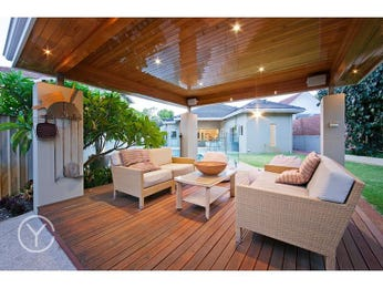 Outdoor living design with deck from a real Australian home - Outdoor Living photo 7673633