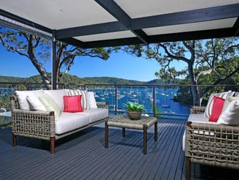 Outdoor living design with balcony from a real Australian home - Outdoor Living photo 512710