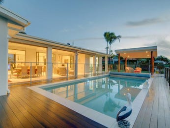 Photo of a geometric pool from a real Australian home - Pool photo 867596