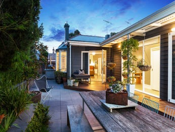 Outdoor living design with outdoor dining from a real Australian home - Outdoor Living photo 17224353