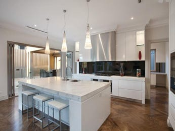 Modern island kitchen design using floorboards - Kitchen Photo 142583