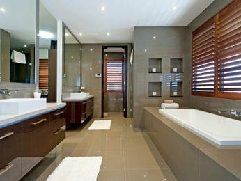 Modern bathroom design with recessed bath using ceramic - Bathroom Photo 143789