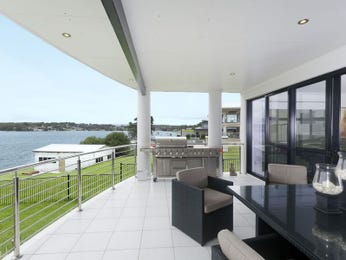 Outdoor living design with balcony from a real Australian home - Outdoor Living photo 1040150