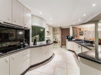 Modern u-shaped kitchen design using tiles - Kitchen Photo 17142657