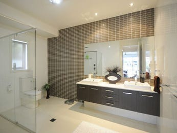 Modern bathroom design with built-in shelving using ceramic - Bathroom Photo 201406