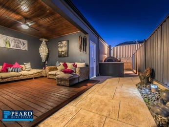 Outdoor living design with deck from a real Australian home - Outdoor Living photo 7418809